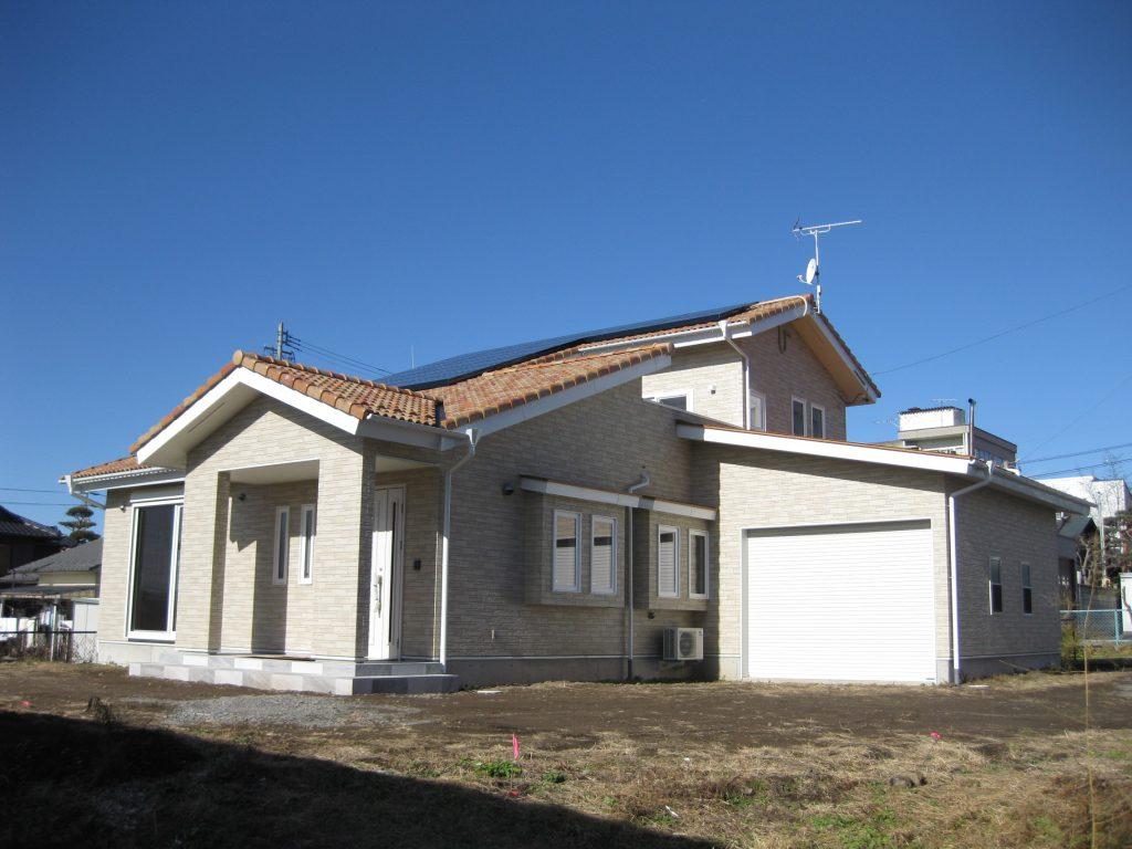大空間と唐松内装の家