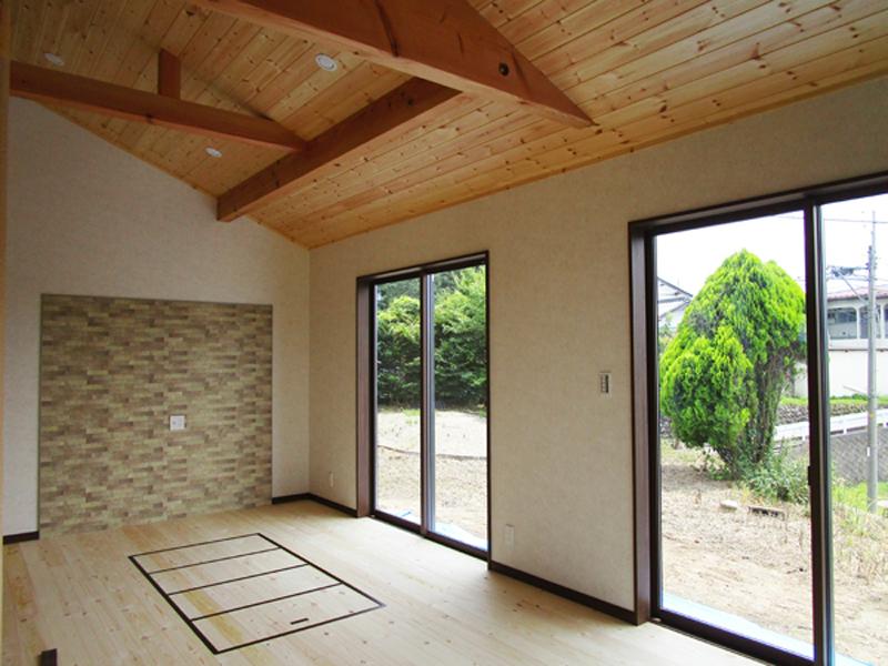 佐久市 木を生かした掘りごたつのある家